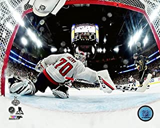 Washington Capitals Goalie Braden Holtby Makes The Save 8x10 Photo Picture (net cam)