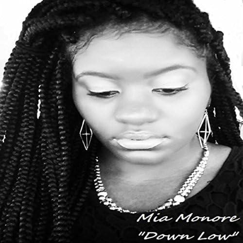 Mia Monroe