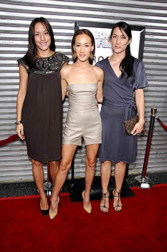 Posterazzi Poster Print Maggie Q Sisters at Arrivals for Balls of Fury Premiere Egyptian Theatre Los Angeles Ca August 25 2007. Photo by Michael GermanaEverett Collection Celebrity (16 x 20)