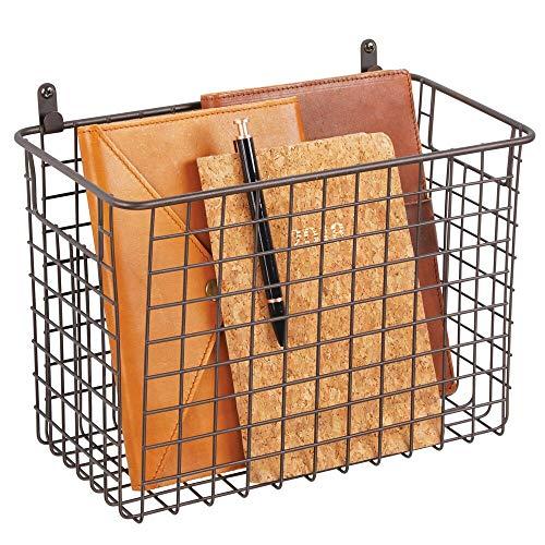 mDesign Estante de pared de metal – Estantería de rejilla grande para pasillo, dormitorio y otras habitaciones – Organizador de cartas, carteras, gafas de sol o accesorios de baño – color bronce