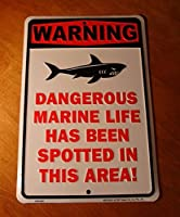 Warning Dangerous Marine Life Spotted In This Area Shark Beach Decor Sign by Log Cabin Lodge [並行輸入品]