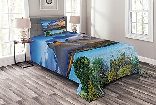 ABAKUHAUS Bunt Tagesdecke Set, Pehoe See-Landschaft Bild, Set mit Kissenbezügen Maschienenwaschbar, 170 x 220 cm, Azurblau & Multicolor