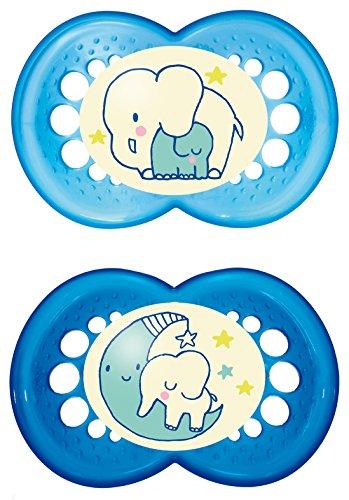 MAM Night Schnuller im Doppelpack, leuchtender Baby Schnuller, besonders weicher Baby Schnuller für schnelle Akzeptanz mit Sterilisier-Transportbox, ab 16+ Monate, blau
