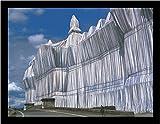 Christo und Jeanne-Claude Reichstag Vorderseite bei Tage