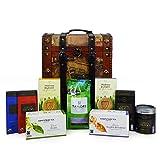 Cesto regalo per tè, caffè e cacao con cioccolato e biscotti presentato in una cassa in stile...