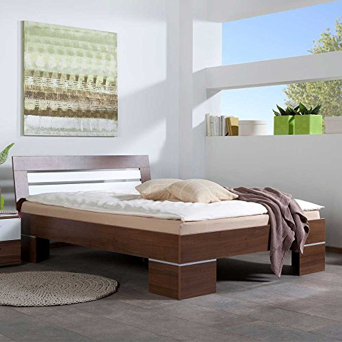 Pharao24 Bett in Nussbaum Weiß Niedrig