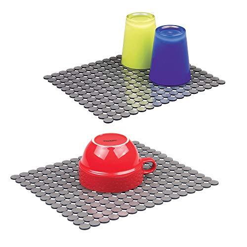 mDesign Juego de 2 Alfombrillas para Fregadero de plástico – Escurridor de vajilla para secar Platos y Vasos – Tapete Protector Grande con diseño Abierto para Que el Agua escurra rápidamente – Gris