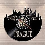 UIOLK Reisen Prag Wanduhr Tschechische Republik Stadtbild
