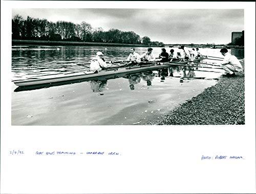 Entrenamiento de Carrera de Barcos - Prensa Vintage