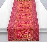 Stylo Culture Chemin de Table Central Traditionnel pour Table Basse en Brocart Magenta, Jacquard et Satin Paon bohème, très Longue décoration Florale Indienne   60 x 16 Pouces (152 x 40 cm)
