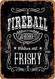 FDerks Letrero de Metal con Texto en inglés Whiskey Makes me Frisky (Fondo Negro), Estilo Retro Vintage, Personalizable, para casa, cafetería, Cerveza, Bebida, Bar de 12 x 16 Pulgadas