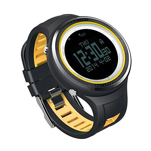 Sunroad - Reloj digital deportivo para hombre FR800NB, resistente al agua hasta 5 ATM y con retroiluminación, brújula, podómetro y termómetro, color amarillo