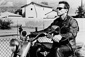 Arnold Schwarzenegger riding Harley Fat Boy motorbike Terminator 2 24X36 Poster