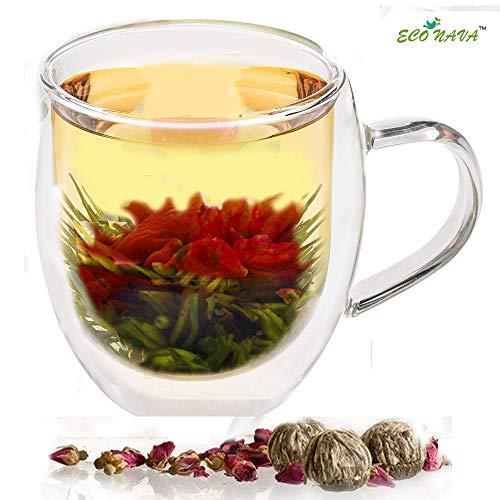 Tazza da tè a doppia parete in vetro 350 ml con 2 palline di tè verde fiorito. Grande tazza termica trasparente a doppia parete per servire caffè, tè, cioccolata calda, latte, espresso.