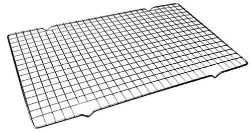 Rejilla enfriatartas rectangular 40x25 cm (Acero cromado) Material : Acero cromado Dimensiones : 40 x 25 cm Apto para horno y lavavajillas. Garantía : 2 años