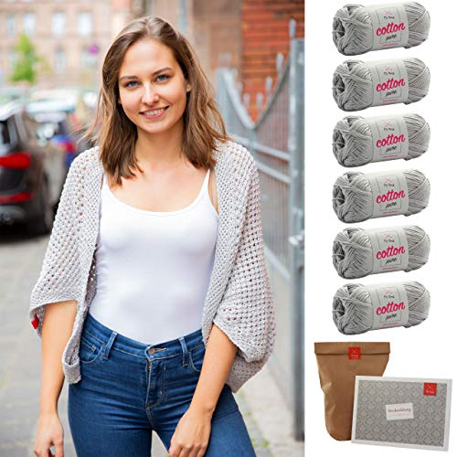 MyOma Seelenwärmer Stricken -DIY Sommerseelenwärmer- Strickpackung mit 6 Knäuel Baumwolle Cotton Pure + GRATIS Label + Rundstricknadel 5mm + Strickanleitung – Strickset Seelenwärmer