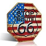 Placa de metal con la bandera estadounidense de la Ruta 66