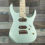 Colore: Satin Sage Green Tipo di costruzione: Solid Body Corpo: Chitarre ST moderno Numero corde: 7 corde Costruzione manico: manico avvitato
