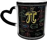 Taza de café en espiral con símbolos de matemáticas máticas mágicas sensibles al calor, cambiante de color en el cielo, tazas de café, regalos personalizados para los amantes de la familia, amigos
