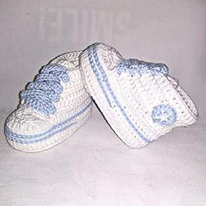 Patucos para Bebé, tipo Converse, 3-6 meses, Blanco-Azul. Hecho a Mano. Crochet. España