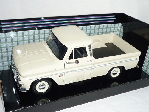 Motormax Chevrolet Chevy Fleetside Pick-up 1966 C10 Weiss Beige 1/24 Modellauto Modell Auto