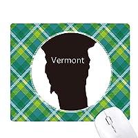 バーモントアメリカ 米国のマップのシルエット 緑の格子のピクセルゴムのマウスパッド