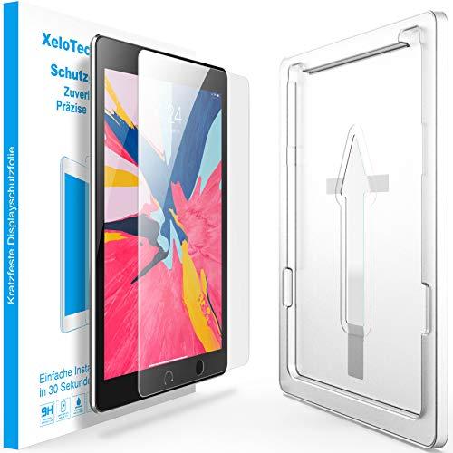 XeloTech Schutzglas für iPad 9.7 Zoll mit Schablone - Passend für iPads mit 9.7 Zoll - iPad 2018, 2017, iPad Pro 9.7, Air 1 und Air 2 - Keine Folie - Echtes Glas