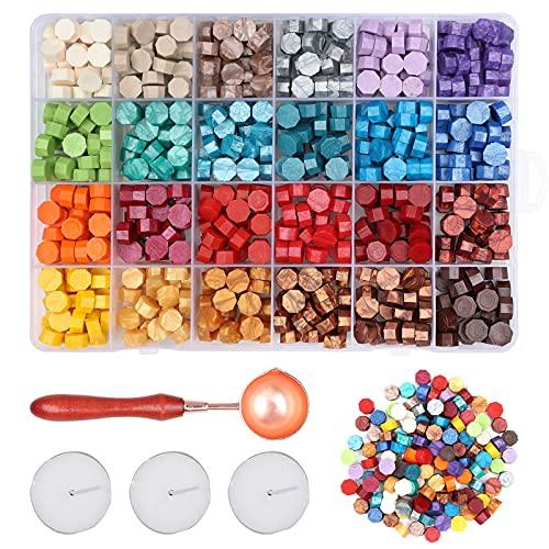 Shorant 24 Colores Kit de Sello de Cera 600Pcs Perlas de Cera Selladora con 3 Velas de Té Blancas y 1 Cuchara Sello Lacre...