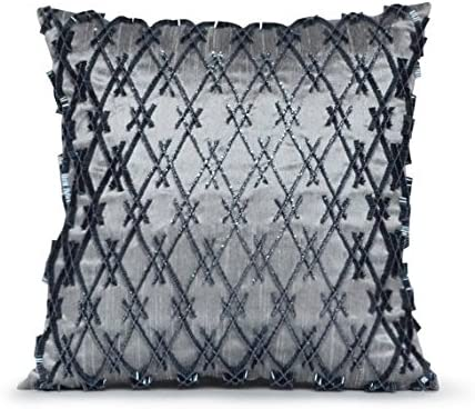 Amore Beaute Handcrafted ※ラッピング ※ Decorative Throw Pillow P in Cover 販売期間 限定のお得なタイムセール Grey