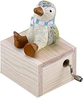 PANDA SUPERSTORE Adorable Wooden Little Penguin Music Decoration Clockwork Music Boxes