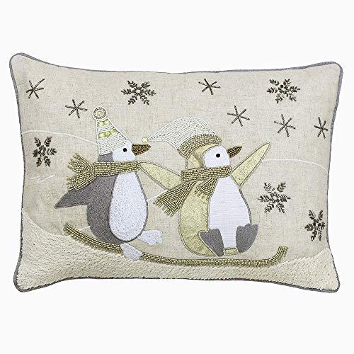 Riva Paoletti Sledging Penguins Kerst Kussen Cover - Crème - Beaded Sledging Penguins Ontwerp - Machine Wasbaar - 100% Vlas Gezicht - 100% Polyester Omgekeerd