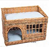 Caseta para gatos de 2 pisos de mimbre para interioresEsta casa viene con dos cojines y es ideal para dormir o descansar.