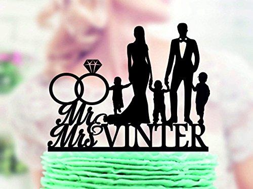 """Decoración para tarta de boda familiar con diseño de novia y novio con tres niños, anillo de diamante, decoración para tartas, decoración de acrílico para tarta con texto en inglés """"Mr and Mrs"""""""