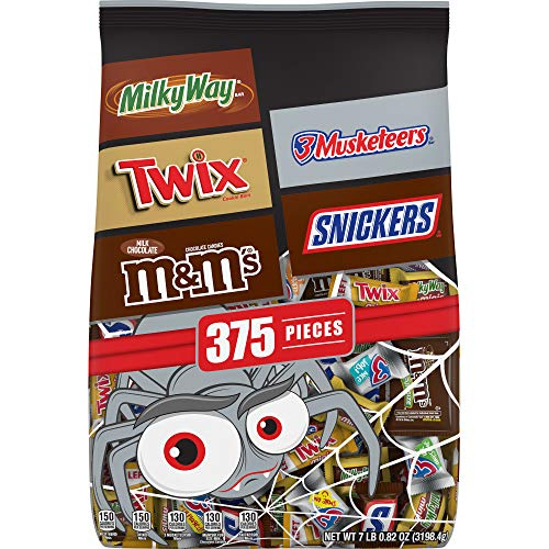 Mars Chocolate Favorites Halloween Candy Bars Variety Mix Bag (TWIX, MILKY WAY, SNICKERS, 3 MUSKETEERS, M&MS Brands), 112.82 Oz, 375 Pieces