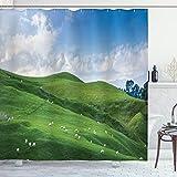 ABAKUHAUS Grün Weiß Duschvorhang, Schafe & Blauer Himmel, mit 12 Ringe Set Wasserdicht Stielvoll Modern Farbfest & Schimmel Resistent, 175x180 cm, Weiß Grün