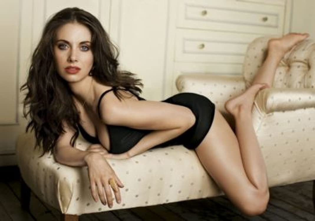 Alison Brie - 36X48 Rare outlet Poster FCA #IDP625004 latest Print