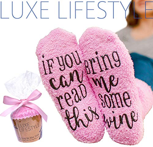 "LUXE LIFESTYLE ""If You Can Read This Bring Me Some Wine"" - Funny Socks Cupcake Gift Packaging - Fuzzy Warm Cotton Sister Wife Women Hostess Housewarming Novelty Romantic Birthday Present Wine Lover"