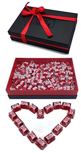Ferrero Mon Cherie Geschenkset mit 60 Pralinen - die kleine Kostbarkeit für Ihre Liebsten - perfekt zum verschenken, Lieferung mit hochwertigem Geschenkkarton