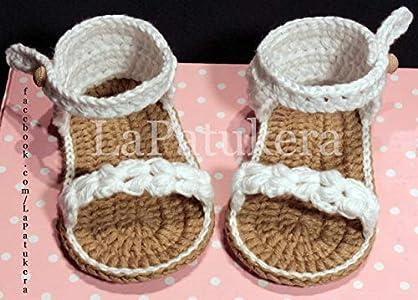 Patucos Sandalias modelo Trenzadas para bebé de crochet, de color a elegir, 100% algodón, tallas de 0 hasta 9 meses, hechos a mano en España. Regalo para bebé.
