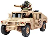 TAMIYA 300035267 - 1:35 US M1046 Humvee mit Tow Raketen, 2 Figuren -