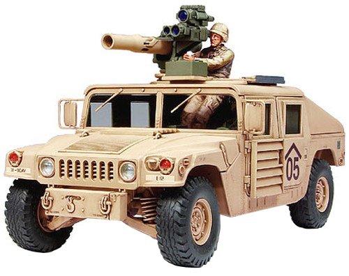 TAMIYA 300035267 - 1:35 US M1046 Humvee mit Tow Raketen, 2 Figuren