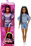 Barbie Fashionista Muñeca afroamericana con trenzas, conjunto de corazones y accesorios de moda de juguete (Mattel GRB63)