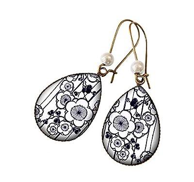 Boucles d'oreilles gouttes Fleurs sakura estampe japonaise noir et blanc bijou