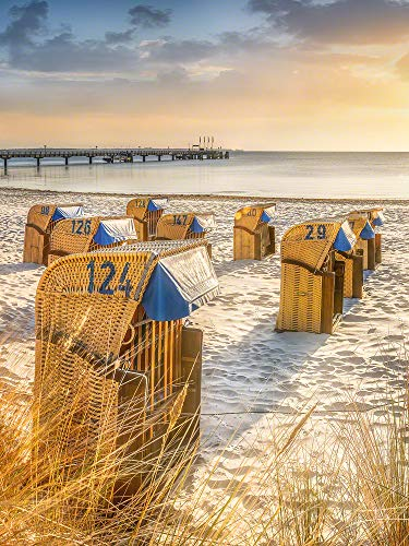 Voss Fine Art Photography Leinwandbild 90 x 120 cm. Strandkoerbe im Sonnenaufgang am Ostsee Strand von Scharbeutz. Hochformat Foto als Leinwand Wandbild.