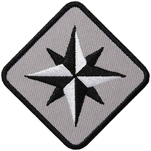 Club of Heroes 2 x Kompass Patch hochwertig gestickt 62 mm Grau/Aufbügler Aufnäher Patches Flicken Bügel-Flicken Abenteuer Mode Sport/zum Aufbügeln Aufnähen auf Kleidung Jacke Tasche Hose Mütze Cap
