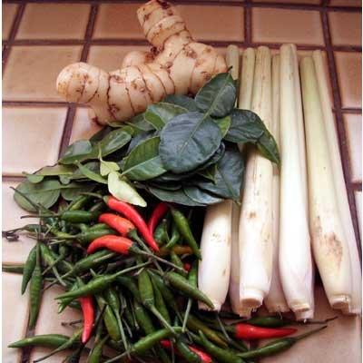 Thai Tom Yum Soup | Tom Kha Fresh Ingredients | Kaffir Lime Leaves, Fresh Galangal and Fresh Lemongrass