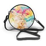 Schöne junge Frau in Karnevalsmaske Glamour Lady mit perfekter runder Schultertasche aus echtem Leder Messenger Bag Vintage Crossbody verstellbarer Schultergurt für Frauen