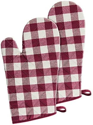 Achim Home Furnishings Buffalo Check Oven Mitt Burgundy 7 in x 13 in Set of Two product image