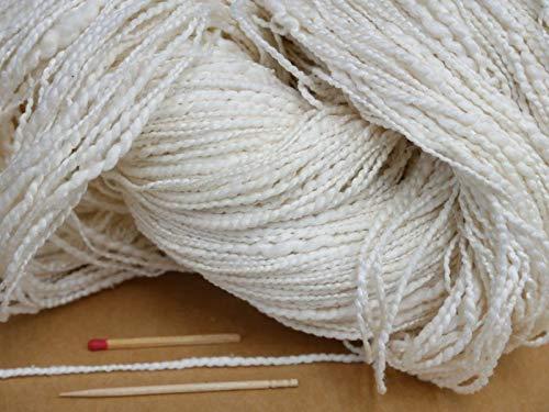 犬山紬(太)(生成・かせ) 素朴な風合いの変化糸。ふっくらとしてとても軽い絹糸です。