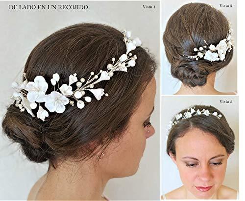 Tocado de novia de Flores Blancas con Cristales de Swarovski. Blanco y plateado. Flores de porcelana fría hechas a mano. Tocado de boda.